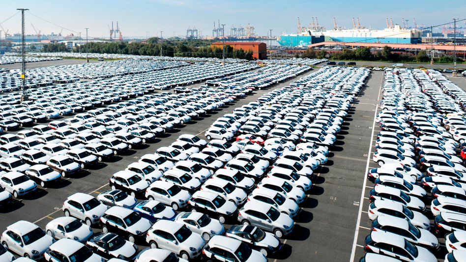 Export-Neuwagen in Bremerhaven: Donald Trump ärgert sich über Auto-Importe aus Deutschland - und sieht VW, Mercedes und BMW als Bedrohung der nationalen Sicherheit