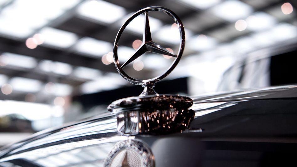 Mercedes-Stern auf einem Daimler-Oldtimer (Archivaufnahme)