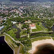 Bewegte Geschichte: Die abwechselnde Herrschaft von Dänen, Schweden, Deutschen und Russen hinterließ Spuren - hier die alte Burg von Kuressaare