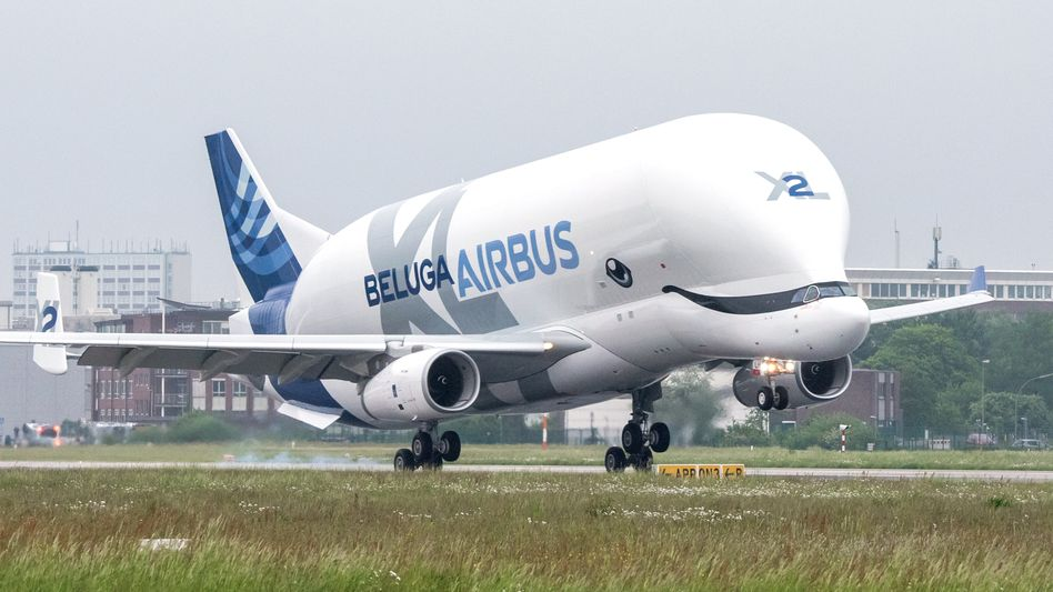 Transportflugzeug Airbus BelugaXL: Mit mehr Flugzeug-Bestellungen als Stornierungen verteidigt Airbus seine Position als größter Flugzeugbauer der Welt