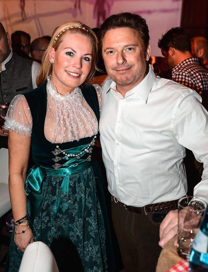 Partypaar: Großaktionär Dirk Ströer und seine Gattin Tina – hier in Kitzbühel anno 2016 – inszenieren ihr pralles Leben auch gern mal in den sozialen Medien