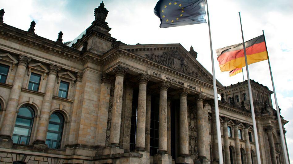 Bundestag in Berlin: Weg für europäische Bankenaufsicht freigemacht