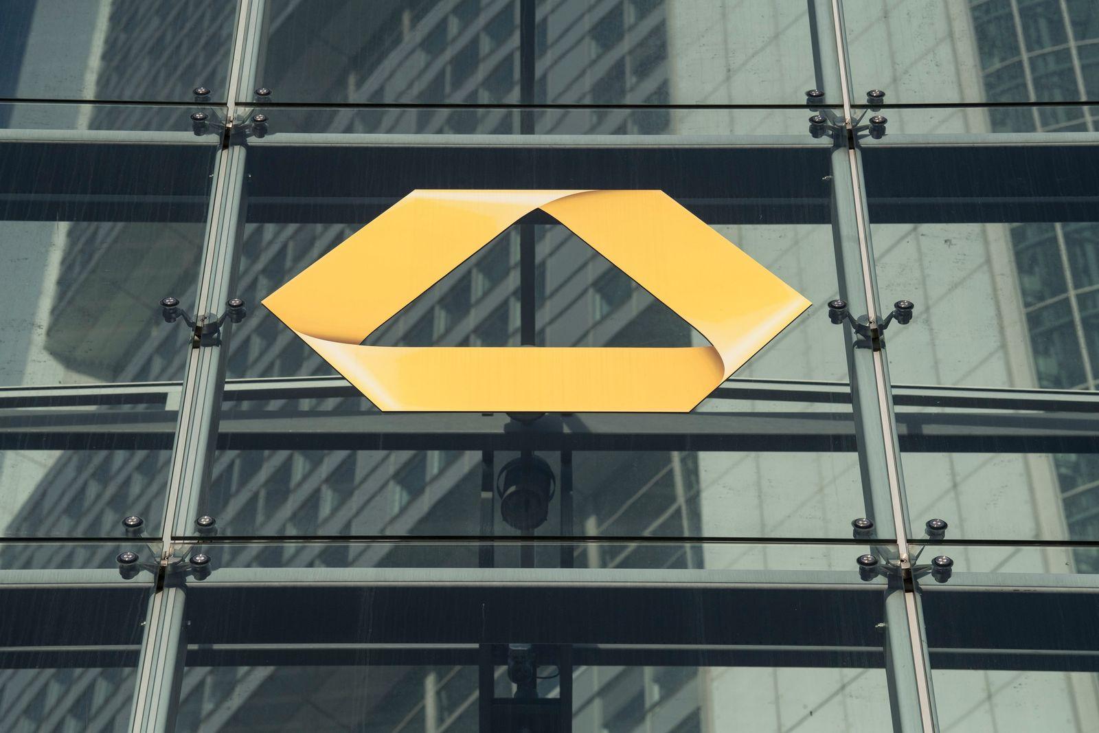 Commerzbank/ Razzia