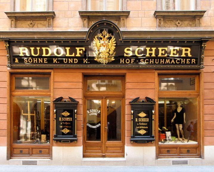 Feine Schuhe: Maßnehmen und Anprobe können Kunden nur vor Ort bei Scheer in Wien machen