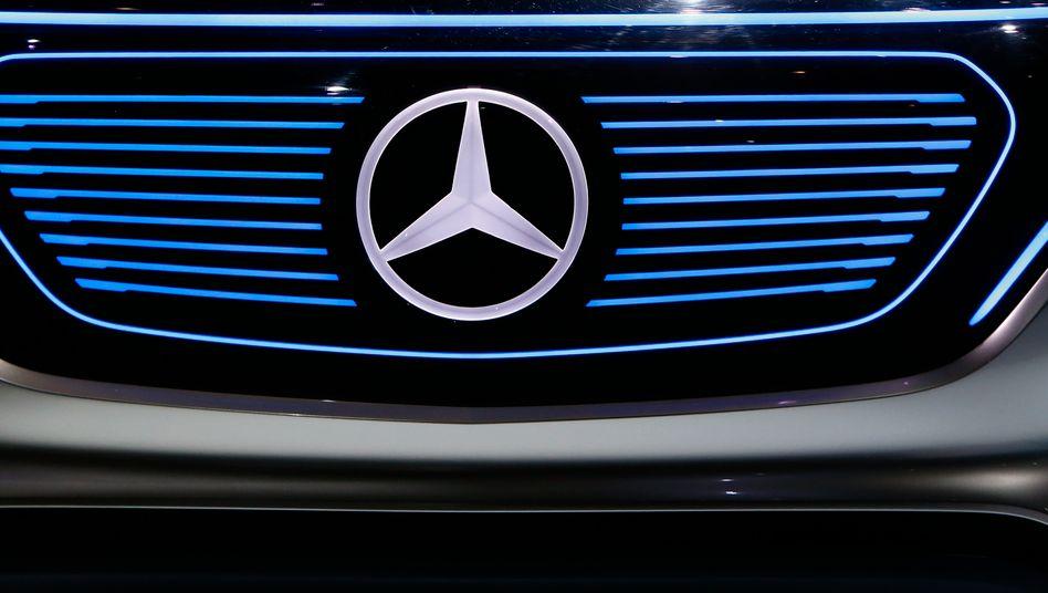 Die Kernmarke Mercedes überrascht im Strom schlechter Branchenachrichten mit einem dicken Absatzplus im Monat Juli - und so soll es auch weitergehen, gibt sich der Vorstand optimistisch