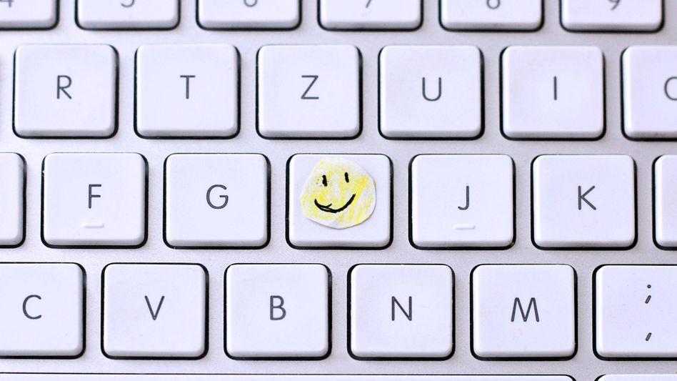 Ein Smiley macht den Unterschied: Die Beziehungen zu Kollegen sind entscheidend dafür, ob Sie sich in Ihrem Job wohlfühlen oder nicht. Also pflegen Sie sie!