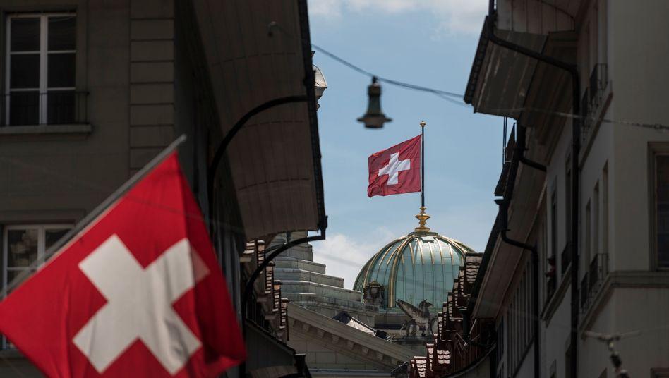 Berner Bundeshaus, Schweiz: Das BIP ist im zweiten Quartal um 8,2 Prozent eingebrochen