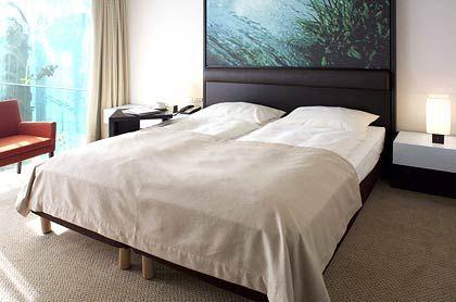 """""""Radisson SAS Hotel"""": Viele Zimmer haben Balkone - und werden gern zur Unzeit aufgeräumt."""