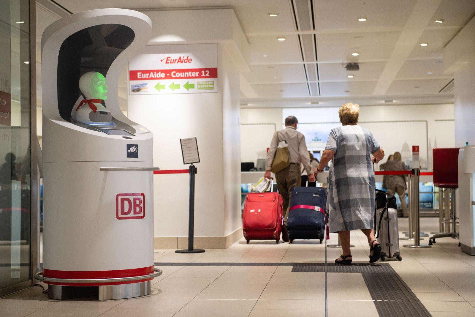 """Roboter """"Semmi"""" / Deutsche Bahn"""