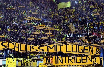 Protestierende BVB-Fans: Die Finanzmisere des Clubs ist dramatischer als angenommen