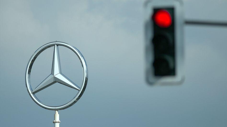 Daimler werde seine Produktion von Autos und deren Verkauf nicht stoppen, kündigte Daimler nach einem Gerichtsurteil im Streit mit Nokia an