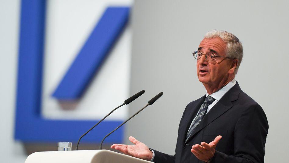 Deutsche-Bank-Chefaufseher Paul Achleitner will Insidern zufolge bis 2022 im Amt bleiben. Mit ...