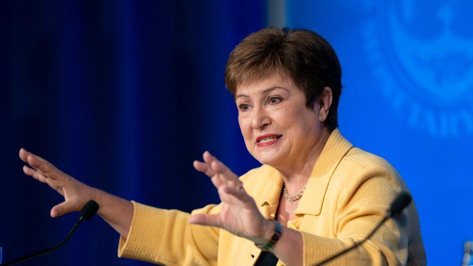 Kristalina Georgiewa: Die IWF-Chefin hat nun - nach langen Krisentreffen - die Unterstützung des obersten IWF-Aufsichtsgremiums, des Exekutivrats