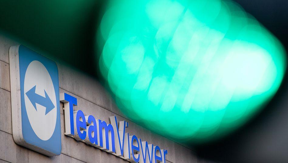 Teamviewer-Logo in Göppingen, Baden-Württemberg: Permira hielt zuletzt einen Anteil von 51,5 Prozent an Teamviewer