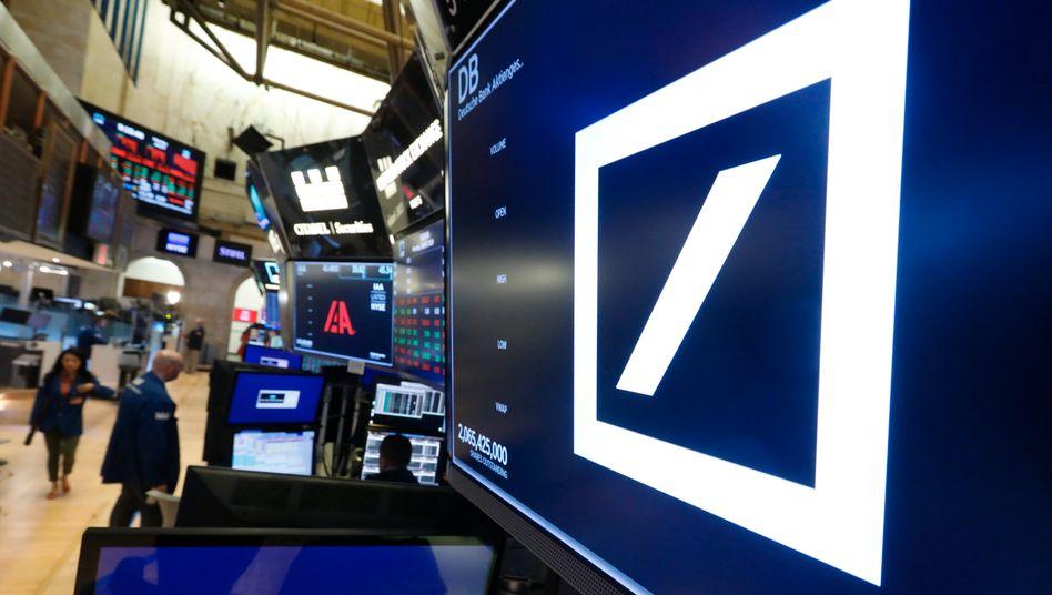 Deutsche Bank: Das schwer angeschlagene Institut hat einen Erholungsversuch gestartet