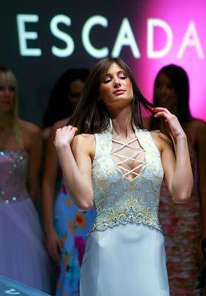 Sinnlich: Das Geschäft mit Luxusmode für Frauen ist nicht einfach. Die Umsätze bei Escada sind im zweiten Quartal gefallen, der Markt bleibt schwierig