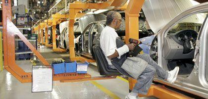 Chrysler-Produktion: Der angeschlagene US-Autobauer verhandelt offenbar über den Verkauf wesentlicher Konzernteile.