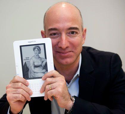 """Verkaufsrenner: In den USA verkauft Amzazon-Chef Jeff Bezos keinen Artikel mehr als den E-book-Reader """"Kindle"""""""
