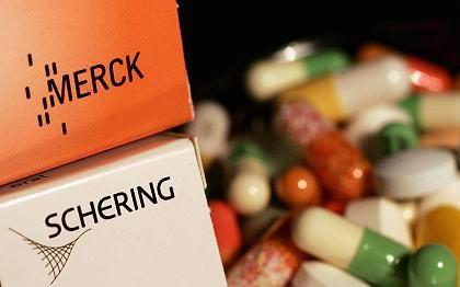Pharma-Branche: Merck kauft im großen Stil Schering-Aktien, obwohl sich das Berliner Unternehmen für eine Übernahme durch Bayer ausgesprochen hat.