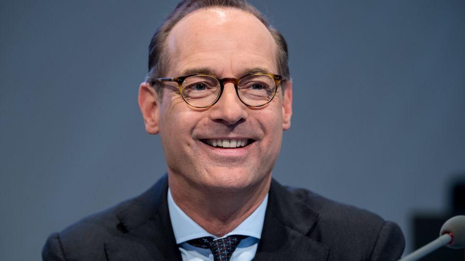Bis zu 12 Milliarden Euro operativer Gewinn in diesem Jahr sind drin, sagt Allianz-Chef Bäte