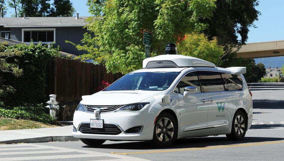 Selbstfahrendes Auto der Google-Schwester Waymo: Gerade mal 1000 registrierte Kunden für Robotertaxi-Dienst