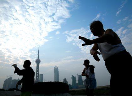 Virtueller Gegner: Fast wie ein Tai-Chi-Kämpfer steht Chinas Zentralbank der Entwicklung am Immobilienmarkt gegenüber
