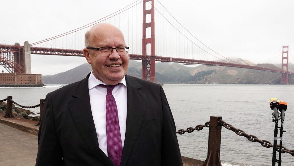 USA-Besuch: Bundeswirtschaftsminister Peter Altmaier vor der Golden Gate Bridge in San Francisco