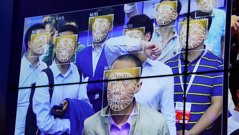 Gesichtserkennungsdemonstration auf der Public Security Expo in Shenzhen
