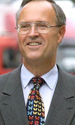 Hat gelegentlich ein Faible für auffallende Krawatten: Finanzminister Hans Eichel