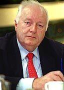 Roland Ernst: Wegen Bestechung und Untreue verurteilt