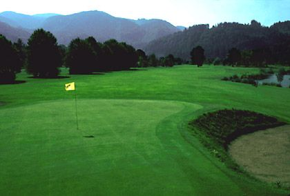 """Fairway in der Steiermark: Der Platz vom """"Golfhotel Murhof"""" zählt zu den """"Leading Courses Austria"""""""