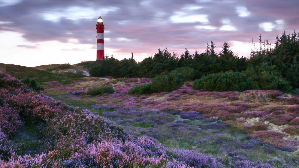 Der Amrumer Leuchtturm von 1872 ist einWahrzeichen der Insel
