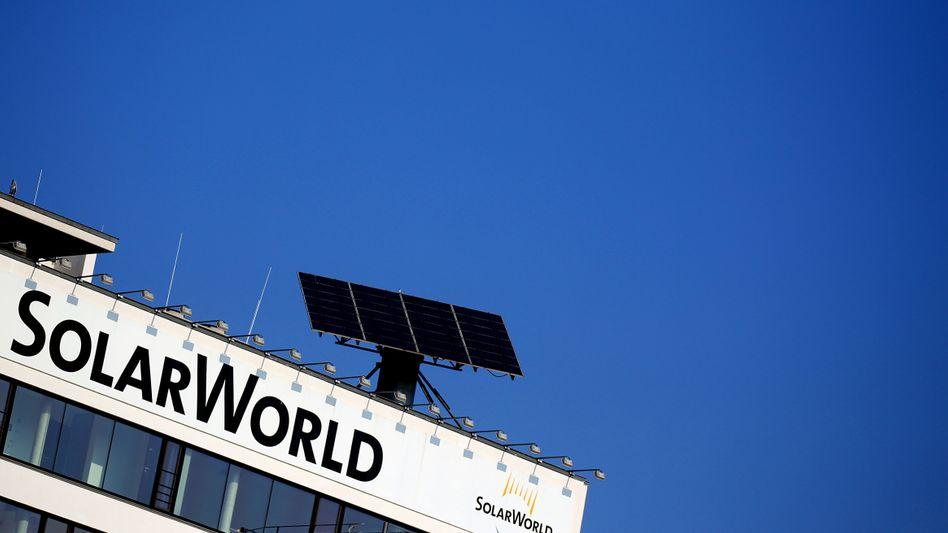 Gefallener Stern: Solarworld schreibt rote Zahlen. Schuld sind laut Firmenchef Frank Asbeck chinesische Module, die in Europa zu Dumpingpreisen angeboten werden