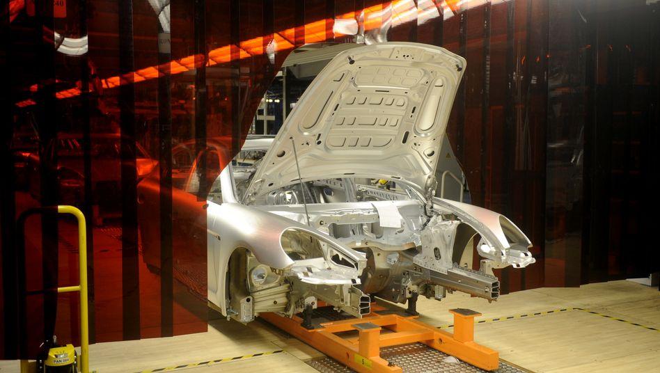 Produktion des Porsche Panamera: Im Januar wird im Werk Leipzig von zwei- auf Dreischichtbetrieb umgestellt