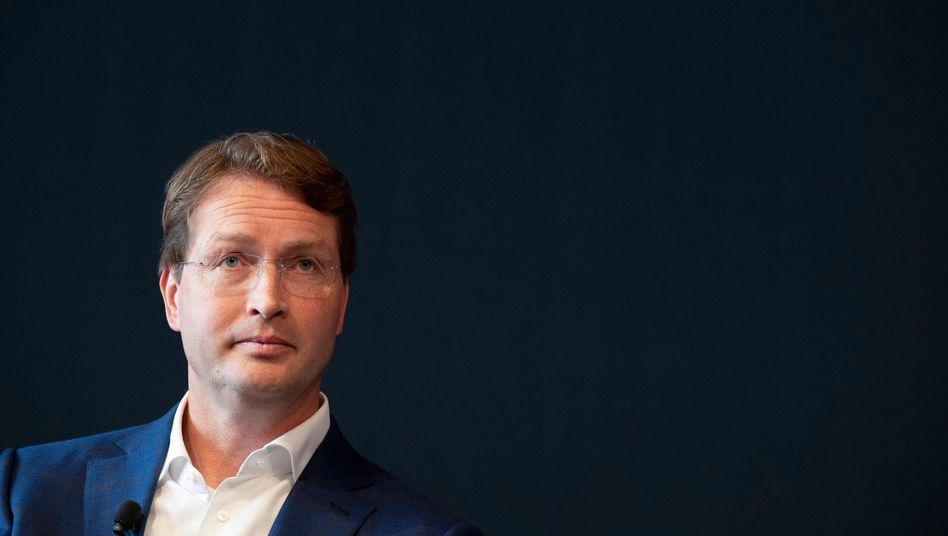 Daimler-Chef Ola Kaellenius ließ innerhalb weniger Tage die Produktion in Europa stoppen.