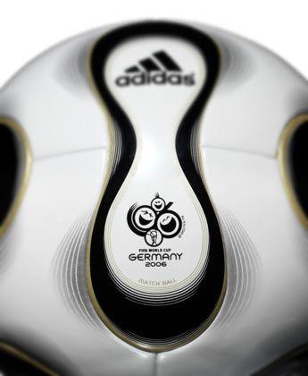 WM-Ball 2006: Weniger Nähte als bei allen anderen WM-Bällen