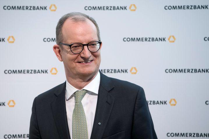 """""""Künftige Wertminderungen ausstehender Kredite sind unausweichlich"""": Martin Zielke, Vorstandschef der Commerzbank und gerade zum neuen Banken-Präsident gewählt, warnt vor Folgen der Corona-Krise."""