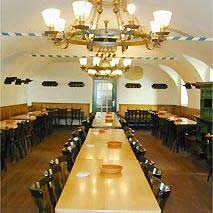Gewölbe-Raum im Bräustüberl (mit etwa 120 Plätzen) des Kloster Andechs