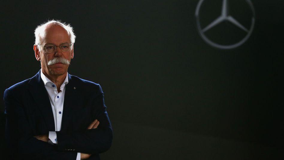 """'Wir halten die Klage für unbegründet"""": Daimler-Chef Dieter Zetsche muss Angriffe auf den Konzern wegen der Verdachts der Abgasmanipulation abwehren"""