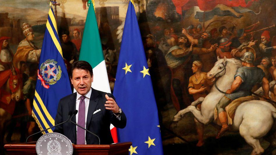 Warnung aus Brüssel: Für Regierungschef Giuseppe Conte sie in einer heiklen Phase