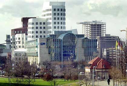 Beschränkungen für ausländische Beteiligungen?:Düsseldorfer Medienhafen