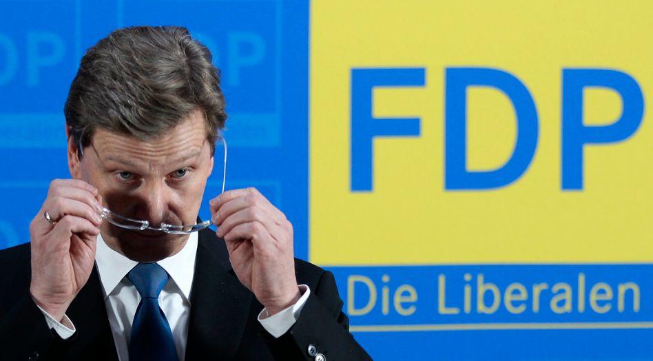 Ich sehe wohl nicht richtig: Dem FDP-Chef dürften die Umfragewerte seiner Partei nicht gefallen