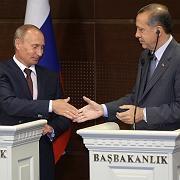 Partnerschaft besiegelt: Russlands Premierminister Putin (l.) und sein türkischer Kollege Erdogan