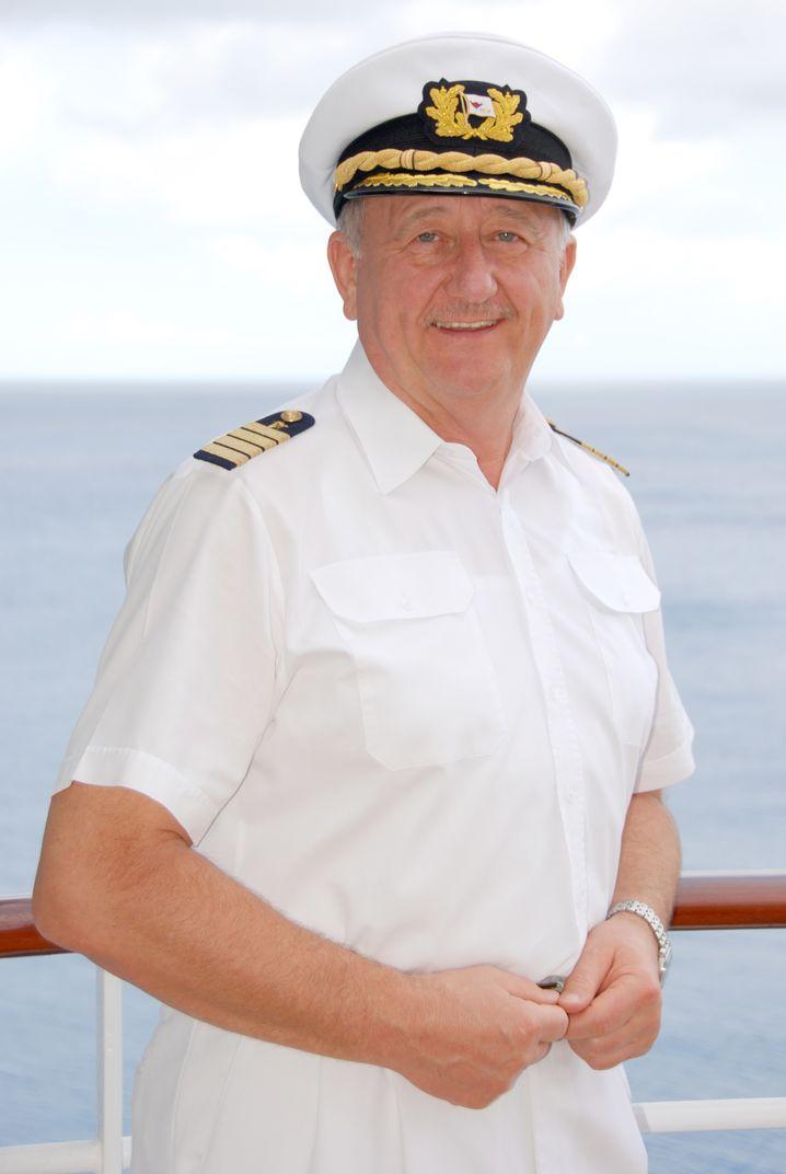 Wie navigiert man in rauer See? Kapitän a.D. Friedhold Hoppert.