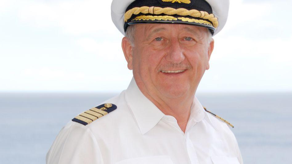 Kennt sich aus mit großen Schiffen und mit Führungsaufgaben: Kapitän a.D. Friedhold Hoppert