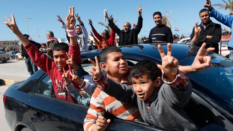 Feier in Bengasi: In der Hauptstadt Tripolis hält sich Gaddafi noch verschanzt