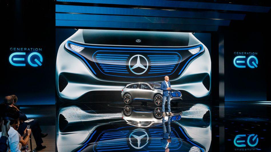 Daimlers elektrische Revolution: Präsentation der neuen Marke EQ in Paris