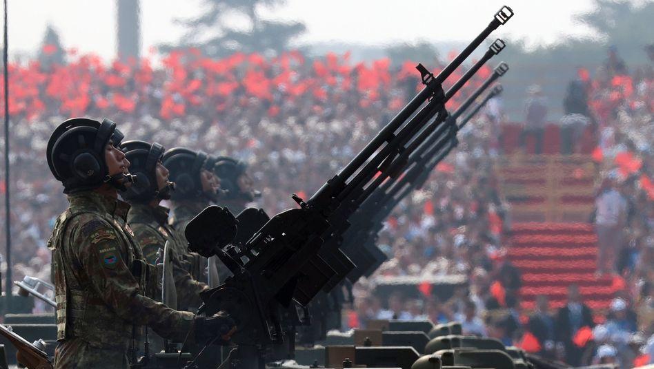 Militärparade zum 70. Jahrestag der Gründung der Volksrepublik China am 1. Oktober 2019: Fast alle Waffen, die chinesische Konzerne produzieren, nimmt das eigenen Militär auch ab.