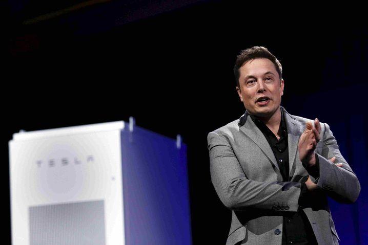 Tesla-Chef Elon Musk: Nach der jüngsten Rekordjagd ist der Börsenwert von Tesla zeitweise auf 300 Milliarden Dollar gestiegen