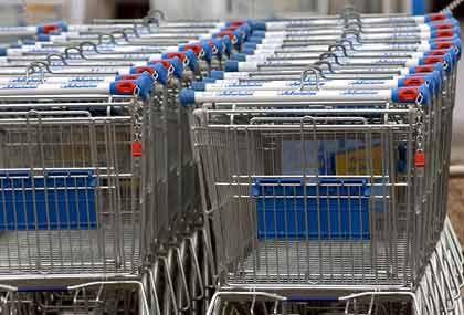 Weniger Verschnitt: Die Wanzl Metallwarenfabrik, Weltmarktführer für Einkaufswagen, hat im Doppelschlag Material gespart und höhere Kosten an ihre Kunden weitergereicht